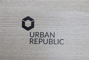 WER-D4880UV에 의한 목재에 로고 인쇄